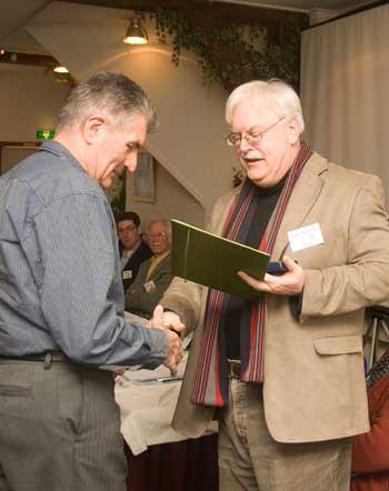 Gabor Ajtay ontvangt bronzen Doorenbospenning