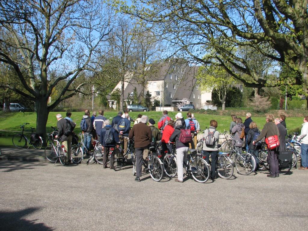 Excursie op de fiets Bloemendaal 17-04-2010