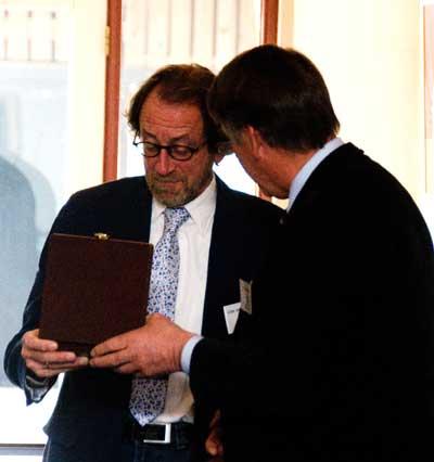 Cees van der Linden ontvangt zilveren Doorenbospenning