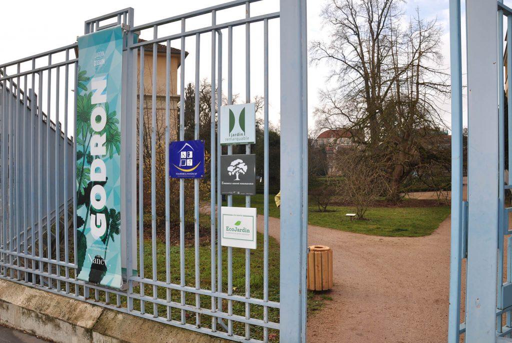 De entree van de Jardin Godron in Nancy